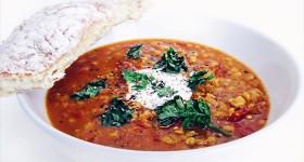 Bezlepková polévka z červené čočky
