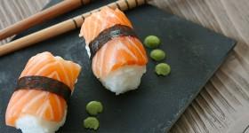 Nigiri sushi s lososem