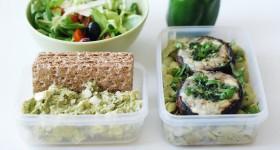Zapečné portobello, avokádový dip a salát