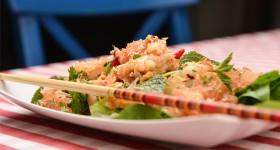 Thajský salát s krevetami a pomelem
