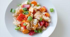 Salát s rýžovými těstovinami