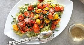 Špagetová dýně s pestem a rajčaty