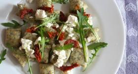 Batátové noky s mákem a čerstvým sýrem