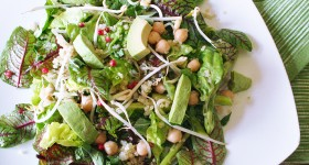 Zelený salát scizrnou a quinoou