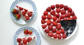 Nepečený jahodový dort