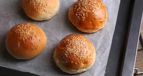 Domácí hamburgerové žemle