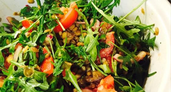 Čočkový salát s rajčaty