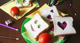 Veselé sendviče s tvarohovou a řepovou pomazánkou