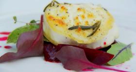 Zapečený kozí sýr s marinovanou řepou